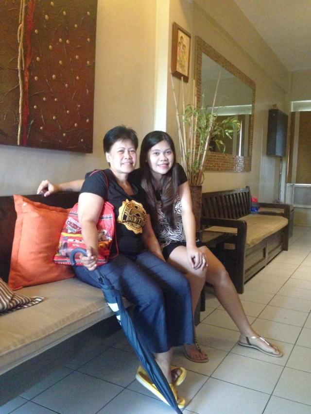 With my ever supportive Mom! Excited na rin siya to see her Cute Apo!